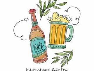 啤酒瓶,叶子和装饰品的啤酒杯