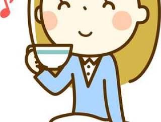一个女人享受茶