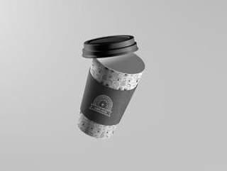 浮动的咖啡杯样机