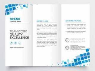 干净的三栏式小册子模板设计与蓝色马赛克效果