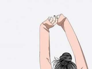 这个女孩周末在床上伸展双臂